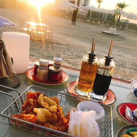 Nice spot for a sundowners, a bit of shisha and a and a nibble of tapas...no doubt the gorgeous sundown view is obviously a huge draw card too