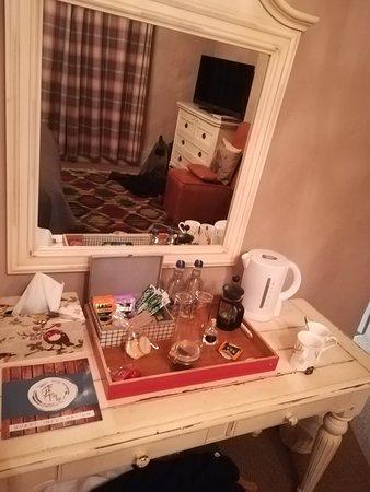 Gin Trap Inn: Marvellous tea tray