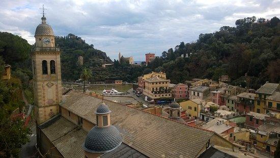 Piazza Martiri Dell'Olivetta: нестандартный вид на бухту