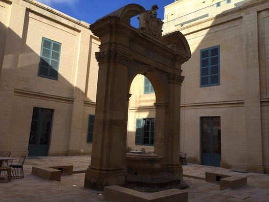 La Valeta, Malta: Inner Courtyard