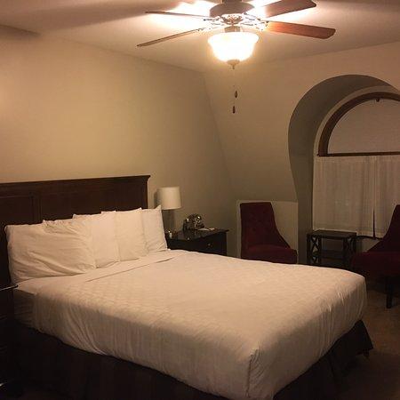 Northfield, MN: Bleak room