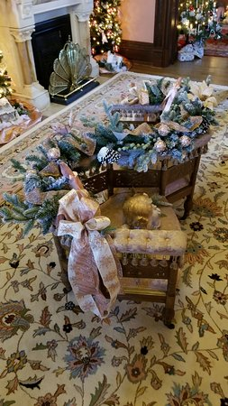 Vaile Mansion-Decorated Loveseat