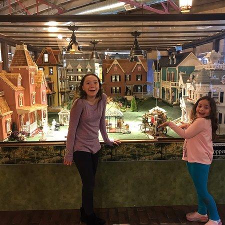 The Great American Dollhouse Museum-bild