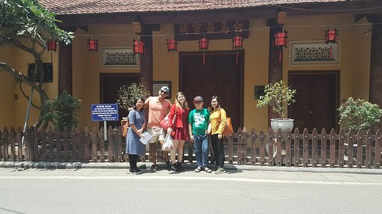 Free Tour Guide With Hanoians: White horse temple