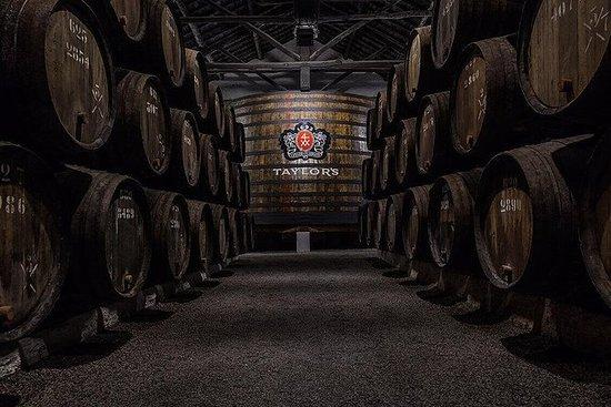 Visite privée des caves à vin de...