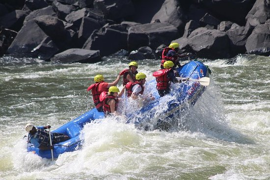 Half Day Sambesi Wildwasser-Rafting