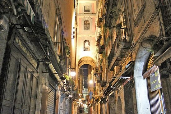 Naples by Night Food Tour with Wine...