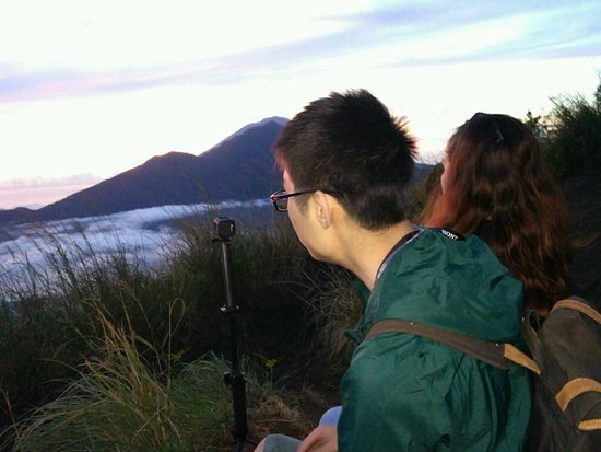 sunrise trekking tour