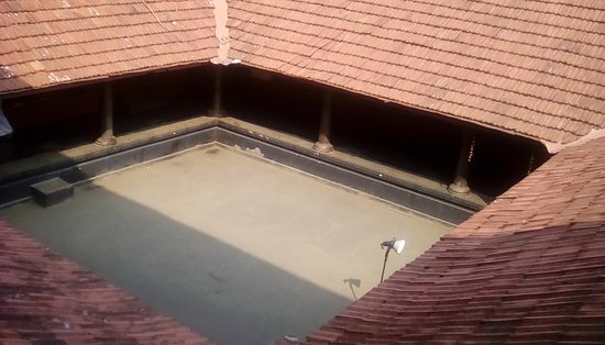 Ottapalam, India: Basketball from first floor