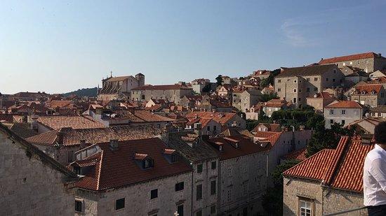 Dubrovnik, Croacia: Widok z murów obronnych.