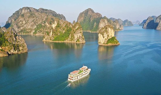 Sapphire Cruise - Overview ( www.sapphirecruise.vn )