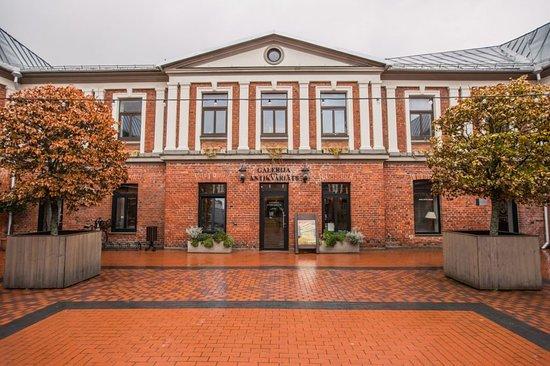 """Liepaja, Lettonie : The art gallery """"Romas dārzs""""."""