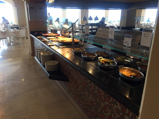 Barcelo Puerto Vallarta: Fresh cooking area every meal