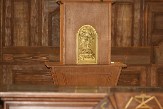 Autun - Couhard à 5 mn d'autun, L'église de Couhard, celle-ci a besoin d'une rénovation Vue intérieur de l'église