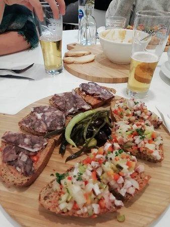Divi Restaurant: Combinado de ''llescas'' de Camaiot y pulpo