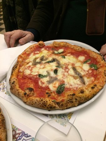 Pizza con le acciughe