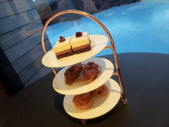 When you visit The Retreat at Blue Lagoon in Iceland, this is what you can expect to indulge on during Afternoon Tea.