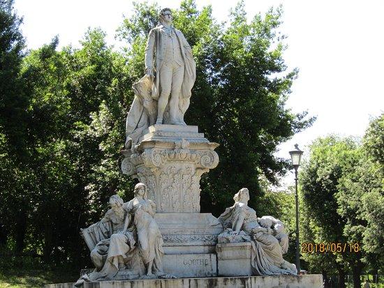 Monumento a Wolfgang Goethe