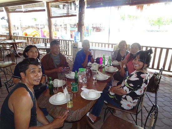 Isla Jardin del Mar Resort: Lunch at their restaurant,