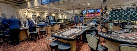 Grosvenor Casino The Rialto London: Gaming Floor