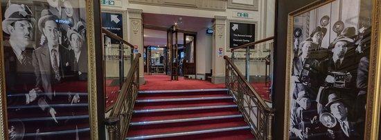 Grosvenor Casino The Rialto London: Entrance