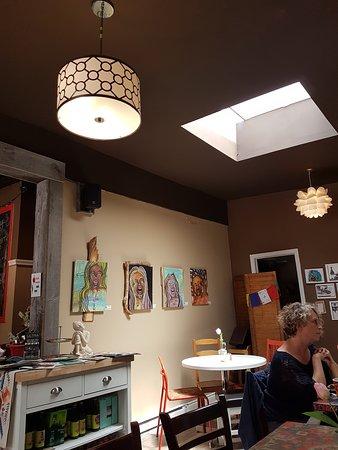 Lazy Tulip Cafe
