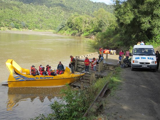 Loading up for a great trip up the Whanganui River to the Bridge to Nowhere.