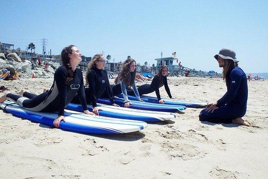 Surfunterricht in kleiner Gruppe am...