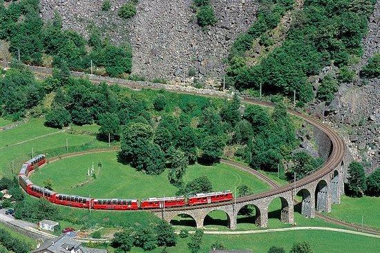 Bernina-Express-Panoramafahrt mit dem...