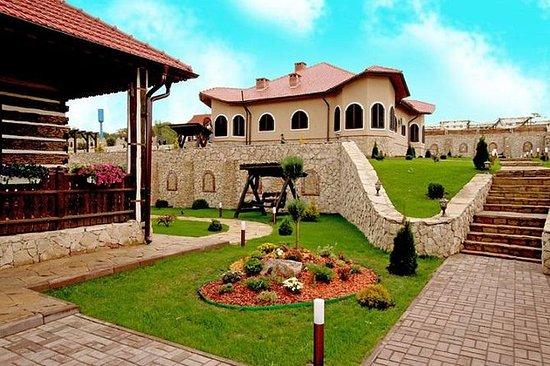 从基希讷乌到Chateau Vartely Winery的葡萄酒之旅