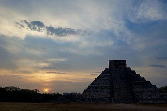Visita al amanecer a Kukulcán...
