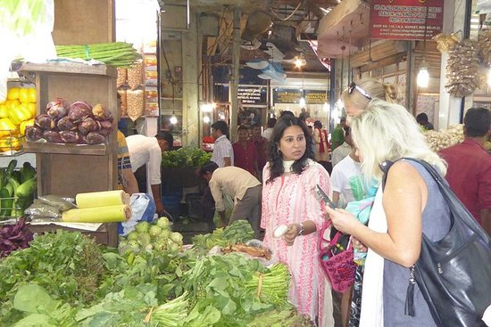 Spice Knight : Market Walk with...
