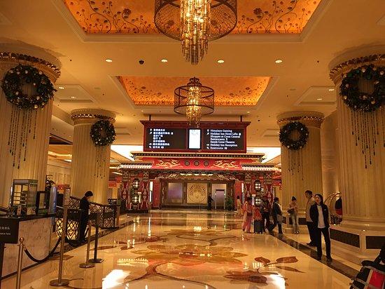 Holiday Inn Macao Cotai Central: ロビー
