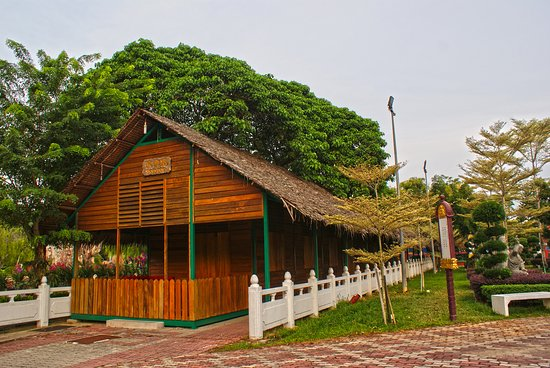 Jenjarom, Malaysia: Souvenir Shop