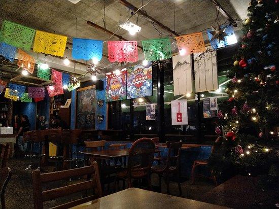 ESPARZA'S TACOS & COFFEE: アメリカチックな店内!