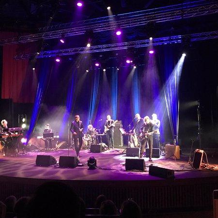 Ορέμπρο, Σουηδία: Bilder från kvällens konsert med Weeping Willows