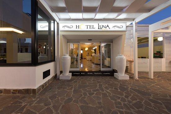 ホテル ルーナ リド