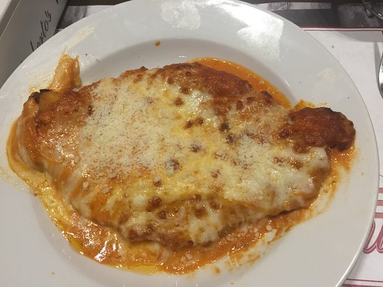 Manhasset, NY: Chicken Parm a la vodka