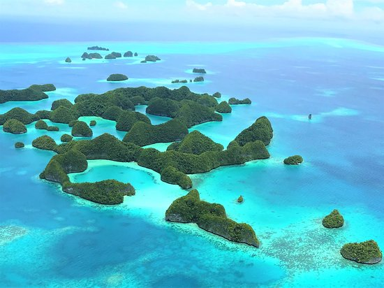 Sorvolando le Seventy Islands con un piccolo Cessna (Rock Islands Palau, Micronesia)
