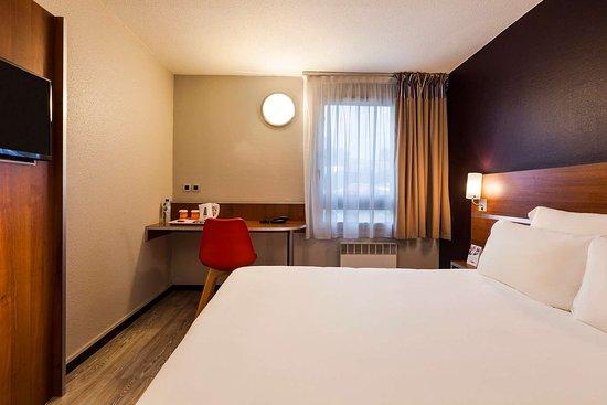 Linas, Frankreich: Spacious guest room