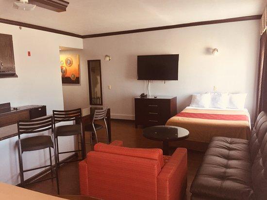Blue Bay Inn & Suites Image