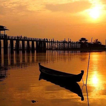 Mandalay Region, Myanmar: U Bein Wooden Bridge