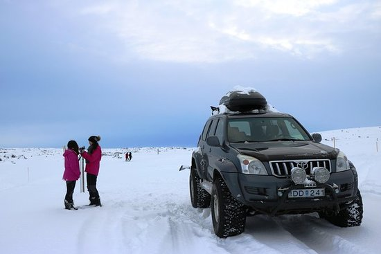 4x4 Private Tour i Nord-Island fra...