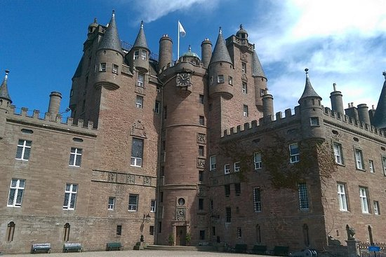 Glamis Castle and Bonnie Dundee Tour...