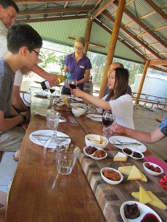 Foto Brett's Outback Tasting Adventures