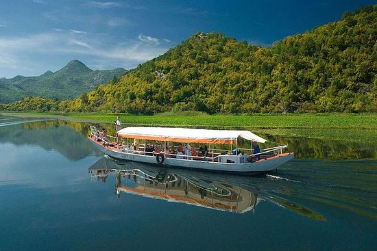 私人遊覽 - 布德瓦或貝西奇國家公園斯卡達爾湖和Petrovac和酒吧