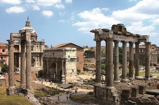 Skip the Line Small Groups Colosseum & Ancient Rome a.m.- Hotel pick up included