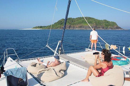 Catamarán Amadeus Sailing Cruises
