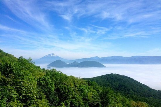Lake Toya Private Day Tour (Up to 8...