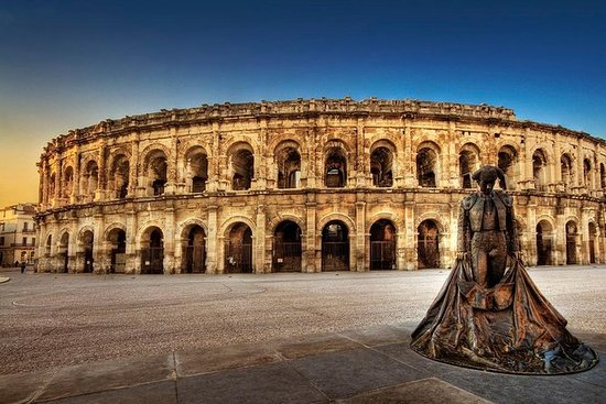 Private small group tour of Nimes and...